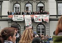 Studentenproteste gegen Zustand und Form des Deutschen Bildungssystems an den Hochschulen und Universitäten. Foto: Norman Rembarz....Norman Rembarz , ( ASV-Autorennummer 41043728 ), Holbeinstr. 14, 04229 Leipzig, Tel.: 01794887569, Hypovereinsbank: BLZ: 86020086, KN: 357889472, St.Nr.: 231/261/06432 - Jegliche kommerzielle Nutzung ist honorar- und mehrwertsteuerpflichtig! Persönlichkeitsrechte sind zu wahren. Es wird keine Haftung übernommen bei Verletzung von Rechten Dritter. Autoren-Nennung gem. §13 UrhGes. wird verlangt. Weitergabe an Dritte nur nach  vorheriger Absprache...GPS:  Länge - E12°22.848' .            Breite - N51°20.470'