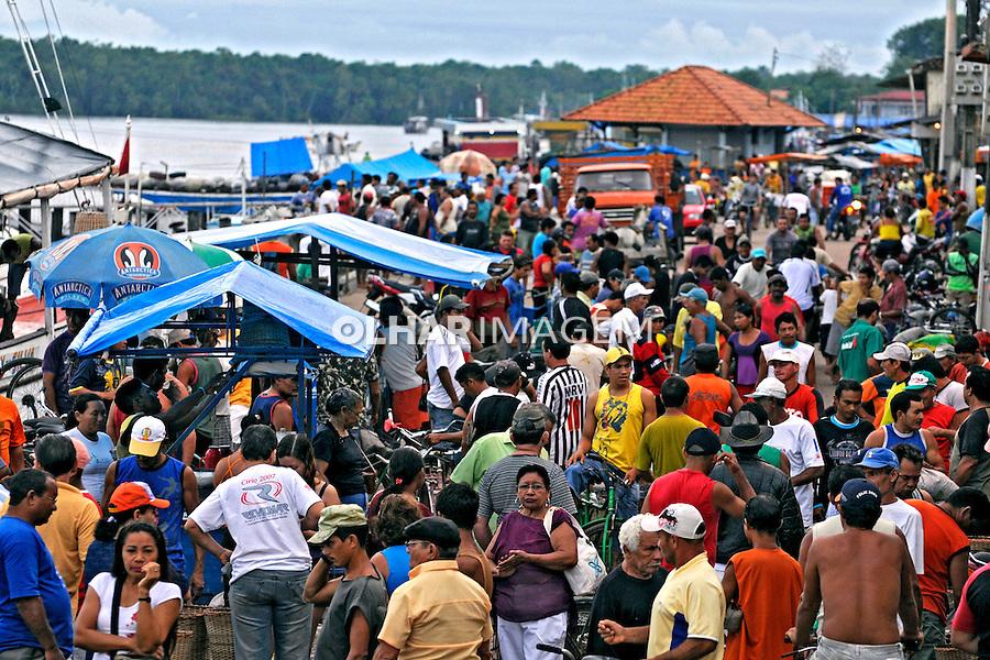 Comercio na Feira de Abaetetuba. Abaetetuba. Para. 2010. Foto de Rogerio Reis..