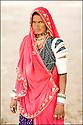 2006- Inde- désert du Rajasthan, femme de berger.