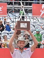 BOGOTÁ -COLOMBIA. 21-07-2013. Ivo Karlovic (CRO) levanta el trofeo como campeón del ATP Claro Open Colombia 2013 tras vencer a Alejandro Falla (COL) hoy en el Centro de Alto Rendimiento en Bogota./ Ivo Karlovic (CRO) lifts the trophy as champion of ATP Claro Open Colombia 2013 after defeating to Alejandro Falla (COL) today in the final at Centro de Alto Rendimiento in Bogota city. Photo: VizzorImage / Str
