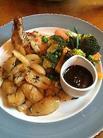 Corbridge, England, UK.  Dinner at The Black Bull Pub: chicken, potatoes, mixed vegetables.
