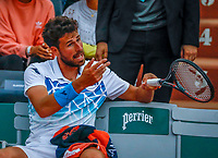 Paris, France, 27 May, 2018, Tennis, French Open, Roland Garros, Robin Haase (NED) gets frustrated<br /> Photo: Henk Koster/tennisimages.com