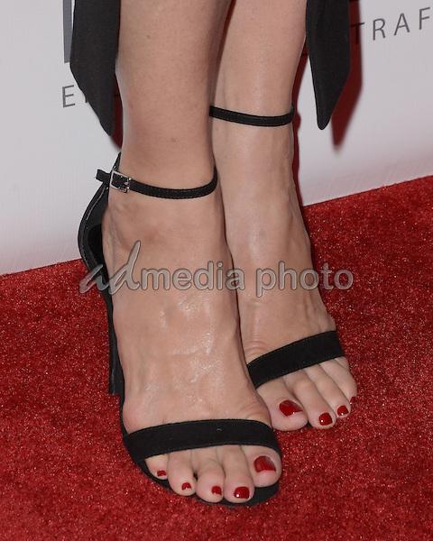 Jenna elfman feet