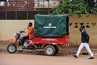 ANGOLA Waku Kungo, chinese transport three-wheeler Zhong Xing for hire / ANGOLA Waku Kungo, chinesisches Lastendreirad Zhong Xing als Transport-Taxi