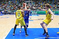 Jonas Wohlfahrt-Bottermann (Fraport Skyliners) gegen Jarekious Bradley (Basketball Löwen Braunschweig) - 11.10.2017: Fraport Skyliners vs. Basketball Löwen Braunschweig, Fraport Arena Frankfurt
