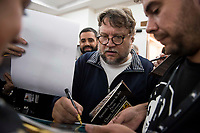 "Mexican director Guillermo del Toro signing to fans after press conference of presentation of film 'The Shape of Water"" during Sitges Film Festival in Barcelona, Spain October 05, 2017. (ALTERPHOTOS/Borja B.Hojas) /NortePhoto.com /NortePhoto.com"