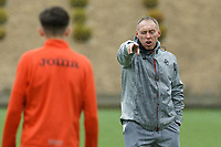 Pictured: Manager Steve Cooper talks to his players. Tuesday 25 May 2021<br /> Re: Training at the Fairwood Training Ground near Swansea, Wales, UK