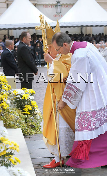 Pope Benedict XVI during the Holy Mass on 02 May 2010 in San Carlo's square in Turin, Italy, for the Holy Shroud, the sheet which, according to tradition, wrapped the body of Jesus in the tomb in Jerusalem.