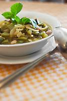 Europe/France/Provence-Alpes-Côte d'Azur/13/Bouches-du-Rhône/Marseille: Soupe au pistou chez  Mme Rose au Restaurant Chez Vincent, 25, rue Glandevès
