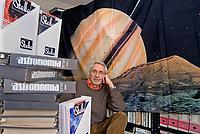 Corrado Lamberti, astrofisico, docente di fisica, divulgatore scentifico, direttore di Astronomia, direttore di Le Stelle, collaboratore e amico di Margherita Hack, un pianeta porta il suo nome, presidente ANPI centro lago di Como, antifascista e storico della resistenza