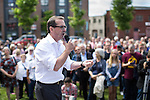 © Joel Goodman - 07973 332324 . 30/07/2016 . Liverpool , UK . OWEN SMITH holds a rally in a field off Bridgewater Street in Liverpool after the booked venue , the Camp and Furnace warehouse , reportedly cancelled the booking . Smith is campaigning to replace Jeremy Corbyn as the leader of the Labour Party . Photo credit : Joel Goodman