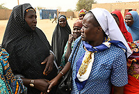NIGER, Maradi, village Dan Bako, social projects of catholic nuns in muslim village / katholische Kirche, soziale Projekte von Ordensschwestern in muslimischen Dörfern