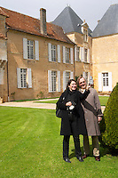 two visitors taking a picture chateau d'yquem sauternes bordeaux france