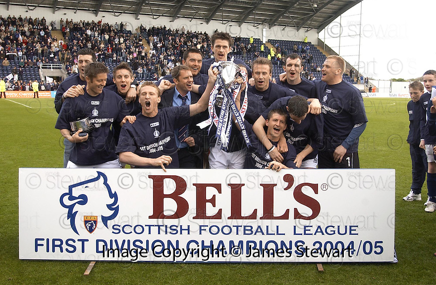 07/05/2005         Copyright Pic : James Stewart.File Name : jspa05_falkirk_v_qots.FALKIRK TEAM CELEBRATE LIFTING  THE FIRST DIVISION TROPHY.Payments to :.James Stewart Photo Agency 19 Carronlea Drive, Falkirk. FK2 8DN      Vat Reg No. 607 6932 25.Office     : +44 (0)1324 570906     .Mobile   : +44 (0)7721 416997.Fax         : +44 (0)1324 570906.E-mail  :  jim@jspa.co.uk.If you require further information then contact Jim Stewart on any of the numbers above.........A