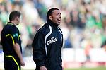 St Johnstone v Celtic..30.10.10  .Derek McInnes shouts instructions.Picture by Graeme Hart..Copyright Perthshire Picture Agency.Tel: 01738 623350  Mobile: 07990 594431