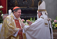 """cardinal Joao Braz de Aviz Pope Francis """"feast of candles"""" during Holy Mass for the Solemnity of the presentation of Our Lord at St Peter's basilica at the Vatican. on Febraury 2, 2018"""