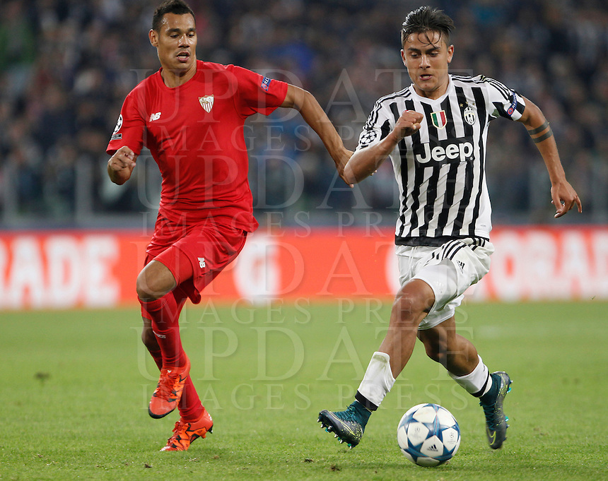 Calcio, Champions League: Gruppo D - Juventus vs Siviglia. Torino, Juventus Stadium, 30 settembre 2015. <br /> Juventus' Paulo Dybala, right, is chased by Sevilla's Timothee Kolodziejczak during the Group D Champions League football match between Juventus and Sevilla at Turin's Juventus Stadium, 30 September 2015.<br /> UPDATE IMAGES PRESS/Isabella Bonotto