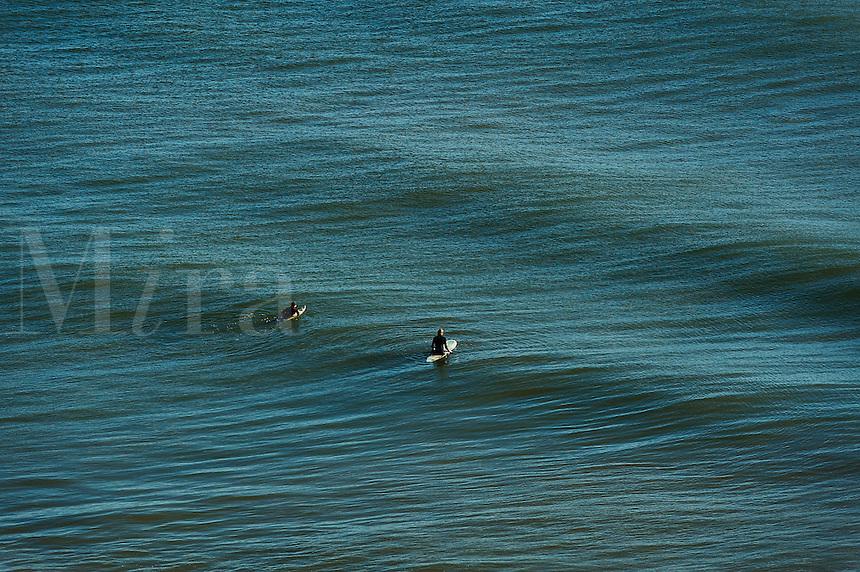 Surfing, Long Nook Beach, Cape Cod National seashore, Truro, Cape Cod, MA, Massachusetts, USA