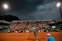Austria, Kitzbühel, Juli 17, 2015, Tennis, Davis Cup, Second match between Robin Haase (NED and Andreas Haider-Maurer (AUT), pitchend: a thunderstorm is aproaching<br /> Photo: Tennisimages/Henk Koster