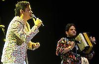 BARRANQUIILLA -COLOMBIA-17-FEBRERO-2015. <br /> Mono Zabaleta y Juan Mario de la Espriella  artistas urbanos del momento fueron los m‡s esperados y ovacionados.<br /> Miles de barranquilleros disfrutaron en el Romelio Mart'nez de una constelaci—n de grandes estrellas que con su mœsica iluminan el cielo barranquillero, en el tercer d'a de Carnaval./<br /> Mono Zabaleta y Juan Mario de la Espriella    urban artists of the time were the most anticipated and acclaimed.<br /> Thousands of barranquilleros enjoyed in the Romelio Martinez of a constellation of superstars whose music barranquillero light up the sky, on the third day of Carnival .Photo:VizzoImage / Alfonso Cervantes / Stringer