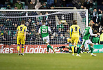 Hibs v St Johnstone…18.11.17…  Easter Road…  SPFL<br />Anthony Stokes scores from the penalty spot<br />Picture by Graeme Hart. <br />Copyright Perthshire Picture Agency<br />Tel: 01738 623350  Mobile: 07990 594431