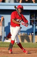 Batavia Muckdogs catcher Luis De La Cruz (6) during a game vs. the Auburn Doubledays at Dwyer Stadium in Batavia, New York June 19, 2010.   Batavia defeated Auburn 2-1.  Photo By Mike Janes/Four Seam Images