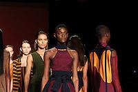 BELO HORIZONTE, MG,06.10.2015 - MINAS TREND -  Modelo durante desfile da grife Faven na 17ª edição do Minas Trend, no Expominas, em Belo Horizonte (MG), nesta terça-feira, 06. (Foto: Doug Patricio / Brazil Photo Press)