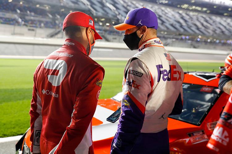 #23: Bubba Wallace, 23XI Racing, Toyota Camry DoorDash, #11: Denny Hamlin, Joe Gibbs Racing, Toyota Camry FedEx