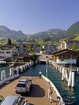 Schweiz, Kanton Unterwalden, Beckenried: Anlegestelle der Autofaehre im Urlaubsort Beckenried im Halbkanton Nidwalden | Switzerland, Canton Unterwalden, Beckenried: car ferry shipping pier