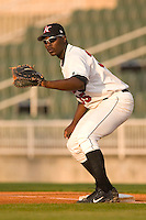 Kannapolis first baseman Chris Carter (#35) waits for a possible pick-off throw versus Asheville at Fieldcrest Cannon Stadium in Kannapolis, NC, Friday, April 14, 2006.  The Tourists defeated the Intimidators by the score of 12-1.