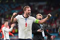 7th July 2021, Wembley Stadium, London, England; 2020 European Football Championships (delayed) semi-final, England versus Denmark;  Celebration for reaching the final Harry KANE ENG