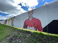 Der nicht anwesende Marc-Andre ter Stegen (Deutschland Germany) am Zaun um den Trainingsplatz der Nationalmannschaft - Seefeld 22.05.2021: Trainingslager der Deutschen Nationalmannschaft zur EM-Vorbereitung