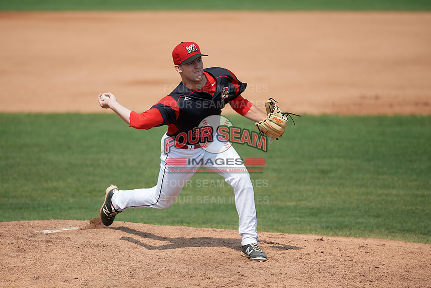 Batavia Muckdogs relief pitcher Travis Neubeck (22) delivers a pitch during the first game of a doubleheader against the Mahoning Valley Scrappers on September 4, 2017 at Dwyer Stadium in Batavia, New York.  Mahoning Valley defeated Batavia 4-3.  (Mike Janes/Four Seam Images)