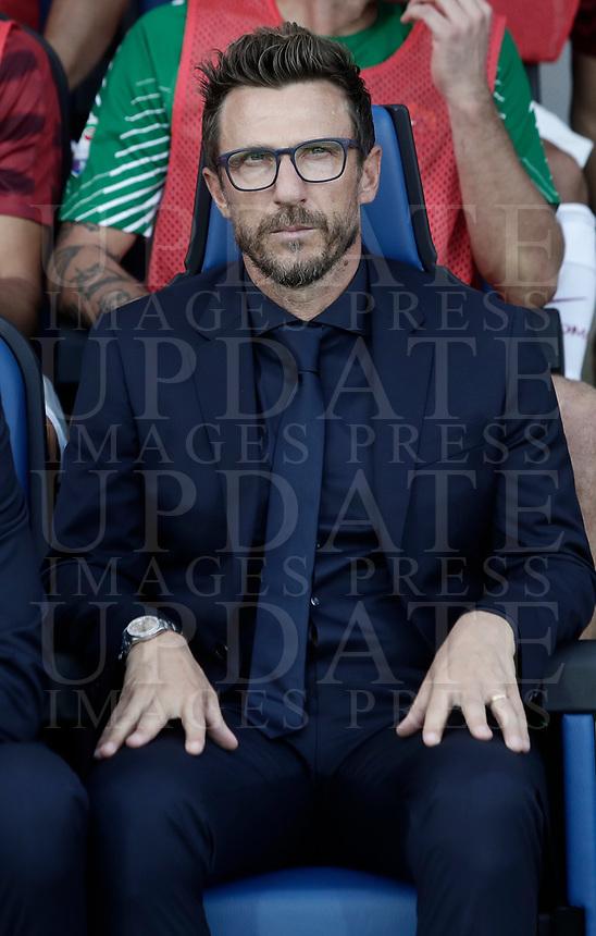 Calcio, Serie A: Bergamo, 20 agosto 2017. <br /> AS Roma's coach Eusebio Di Francesco waits for the start of  the Italian Serie A football match between Atalanta and Roma at Bergamo's Atleti Azzurri d'Italia stadium. August 20, 2017.<br /> UPDATE IMAGES PRESS/Isabella Bonotto