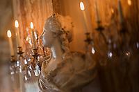 Europe/Monaco/Monte Carlo: restaurant: Louis XV / Alain Ducasse à l'Hôtel de Paris - Détail de la décoration Belle Epoque de la salle  de restaurant