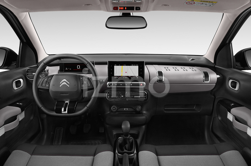 Stock photo of straight dashboard view of a 2018 Citroen C4 Cactus Shine 5 Door SUV