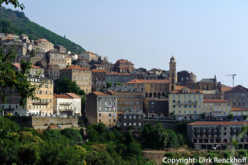 Cervione in der Castagniccia, Korsika, Frankreich