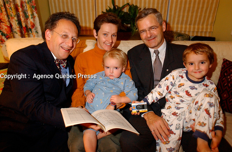 Boris et Marc Garneau, entre 2001 et 2004 (Date inconnue)<br /> <br /> PHOTO : <br />  - Agence Quebec Presse<br /> <br /> NOTE : Les ajustements finaux, recadrage et retouche des poussieres seont effectuées sur les images commandées.