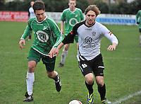 KVC Deerlijk Sport - Blauwvoet Otegem : Viktor Ouvrein (rechts) aan de bal voor Siemen Dekiere (links)<br /> foto VDB / Bart Vandenbroucke