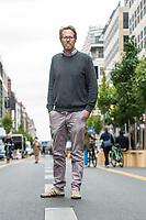 Ein Teil der Friedrichstrasse im Berliner Bezirk Mitte ist ab dem 29. August 2020 zu einer temporaeren Flaniermeile zum shoppen und verweilen. Dafuer ist die Durchfahrt durch die Shoppingmeile fuer den Kraftverkehr gesperrt worden und an den Strassenraendern wurden Baeume in Kuebeln aufgestellt sowie der Fussweg verbreitert. Die Strassenmitte ist fuer Radverkehr, der maximal 20 Km/h schnell sein darf.<br /> Im Bild: Florian Schmidt, Baustadtrat fuer den Bezirk Friedrichshain-Kreuzberg machte sich am Tag vor der Eroeffnung ein Bild von den Umbauarbeiten.<br /> 28.8.2020, Berlin<br /> Copyright: Christian-Ditsch.de<br /> NUR FUER REDAKTIONELLE ZWECKE! Werbung nur auf Anfrage beim Fotografen. [Inhaltsveraendernde Manipulation des Fotos nur nach ausdruecklicher Genehmigung des Fotografen. Vereinbarungen ueber Abtretung von Persoenlichkeitsrechten/Model Release der abgebildeten Person/Personen liegen nicht vor. NO MODEL RELEASE! Don't publish without copyright Christian-Ditsch.de, Veroeffentlichung nur mit Fotografennennung, sowie gegen Honorar, MwSt. und Beleg. Konto: I N G - D i B a, IBAN DE58500105175400192269, BIC INGDDEFFXXX, Kontakt: post@christian-ditsch.de<br /> Bei der Bearbeitung der Dateiinformationen darf die Urheberkennzeichnung in den EXIF- und  IPTC-Daten nicht entfernt werden, diese sind in digitalen Medien nach §95c UrhG rechtlich geschuetzt. Der Urhebervermerk wird gemaess §13 UrhG verlangt.]