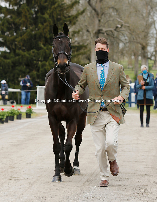 April 21, 2021:  14 Oratorio  and rider William Fox-Pitt from Great Britain in the first horse veterinary inspection at the Land Rover Three Day Event at the Kentucky Horse Park in Lexington, KY on April 21, 2021.  Candice Chavez/ESW/CSM