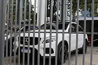 Campinas (SP), 23/09/2020 - Policia - Um traficante procurado por tráfico internacional de drogas foi preso nesta quarta-feira (23) em Campinas, interior de São Paulo. Ele era procurado por ser considerado um das líderes de uma facção criminosa que atuava em Minas Gerais. Ao todo, o traficante tem a pena estimada em 113 anos de prisão.<br /> Segundo o Baep (Batalhão de Ações Especiais da Polícia Militar) estava foragido desde 2018. De acordo com as investigações, o acusado seria o responsável por trazer pasta base de cocaína da Bolívia para o Brasil. <br /> De acordo com as equipes, o homem foi abordado na condução de um veiculo, e após apresentar um documento falso de identificação a equipe suspeitou da atitude. No carro, o Baep encontrou R$ 59,4 mil, além de oito aparelhos celulares.<br /> O acusado foi detido e encaminhado para a Polícia Federal de Campinas, onde ficará a disposição da Justiça.