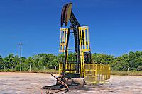 Cavalo mecânico em extração de petroleo. Espirito Santo. 2009. Foto de Zig Koch.