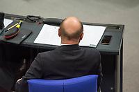 2. Sitzung des Deutschen Bundestag am Dienstag den 21. November 2017.<br /> Im Bild: Martin Schulz, SPD-Vorsitzender, vor seiner Rede zum Thema Arbeitsplatzabbau bei Siemens.<br /> 21.11.2017, Berlin<br /> Copyright: Christian-Ditsch.de<br /> [Inhaltsveraendernde Manipulation des Fotos nur nach ausdruecklicher Genehmigung des Fotografen. Vereinbarungen ueber Abtretung von Persoenlichkeitsrechten/Model Release der abgebildeten Person/Personen liegen nicht vor. NO MODEL RELEASE! Nur fuer Redaktionelle Zwecke. Don't publish without copyright Christian-Ditsch.de, Veroeffentlichung nur mit Fotografennennung, sowie gegen Honorar, MwSt. und Beleg. Konto: I N G - D i B a, IBAN DE58500105175400192269, BIC INGDDEFFXXX, Kontakt: post@christian-ditsch.de<br /> Bei der Bearbeitung der Dateiinformationen darf die Urheberkennzeichnung in den EXIF- und  IPTC-Daten nicht entfernt werden, diese sind in digitalen Medien nach §95c UrhG rechtlich geschuetzt. Der Urhebervermerk wird gemaess §13 UrhG verlangt.]