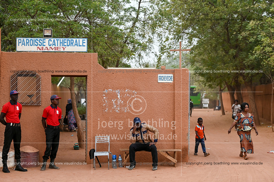 NIGER, Niamey, cathedral with security personal / Kathedrale mit Wachdienst