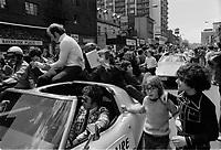 Jacques Lemaire,,<br /> Defile de la Coupe Stanley, sur la rue Ste-Catherine, Mai 1973,<br /> suite a la victoire contre les  Black Hawks de Chicago, le 10 mai.<br /> Date exacte inconnue.<br /> <br /> <br /> PHOTO  : Agence Quebec Presse - Alain Renaud