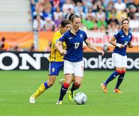 Fifa Women's World Cup Germany 2011 : Zweden - France Frankrijk at Sinsheim World Cup stadium : Gaetane Thiney aan de bal.foto DAVID CATRY / Vrouwenteam.be