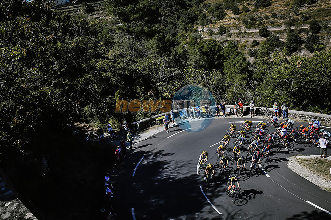 Mitchelton-Scott lead the peloton as they climb Col de la Lusette during Stage 6 of Tour de France 2020, running 191km from Le Teil to Mont Aigoual, France. 3rd September 2020.<br /> Picture: ASO/Pauline Ballet | Cyclefile<br /> All photos usage must carry mandatory copyright credit (© Cyclefile | ASO/Pauline Ballet)