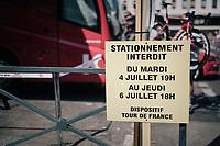 'No parking'<br /> <br /> 104th Tour de France 2017<br /> Stage 6 - Vesoul › Troyes (216km)