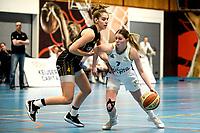 13-03-2021: Basketbal: Keijser Capital Martini Sparks v Grasshoppers: Haren Grasshoppers speelster Noor Driessen (l) in duel met Martini Sparks speelster Ires van de Wal